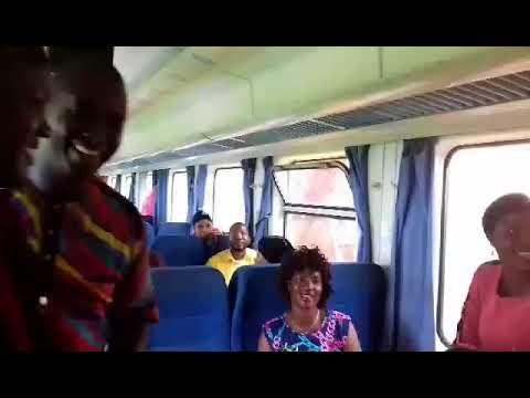 des employés prennent en otage le train conakry express