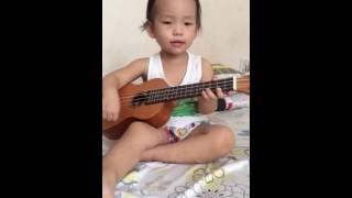 Cháu yêu bà ukulele