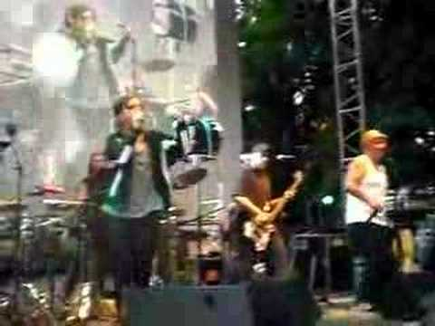 La Kinky Beat @ Courts dans l'herbe 2008 - Bongo Crazy