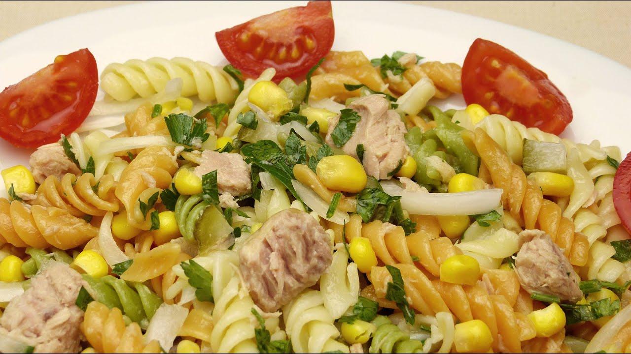 Салат с макаронами и тунцом рецепт - YouTube