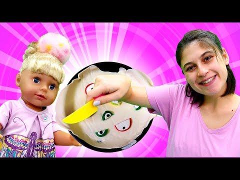 Ayşe Gül Ve Loli Için Elmalı Turta Yapıyor! Bebek Bakma Ve Yemek Yapma Oyunu!