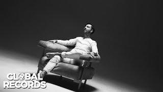 """Videoclip oficial cu Robert Toma interpretand single-ul """"Voi Fi Aco..."""