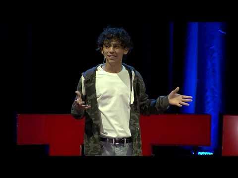 ¿Qué pasa si quiero hacer todo? | Santiago Martins | TEDxCordoba