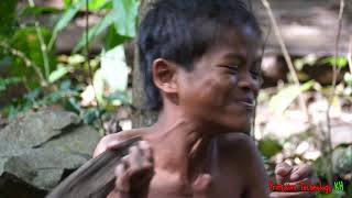 Primitive Technology - Eating delicious - Finding fish and cooking