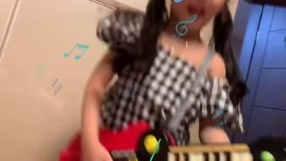 이쁜 어린이 기타리스트. 혼자놀기의 진수