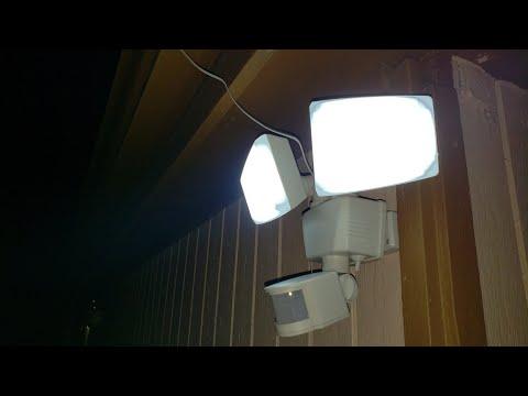 review-of-bunker-hill-solar-led-1160-lumen-light---dual-head