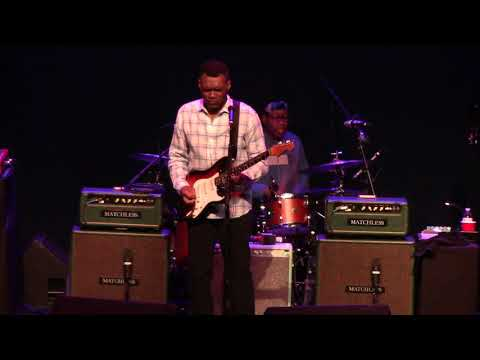 ROBERT CRAY Live at The Newton Theater, NJ  Oct  4, 2019 (full show)