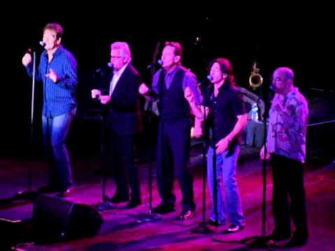 Huey Lewis and The News sings Sixty Minute Man at Hard Rock  in Hollywood, Florida