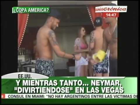 Las fotos de la discordia: mientras Brasil sufre, Neymar la pasa bomba