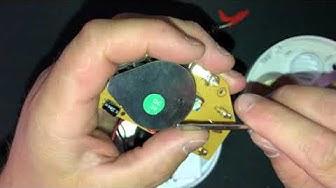 Puretaan Optinen Palovaroitin - dismantling the optical smoke alarm