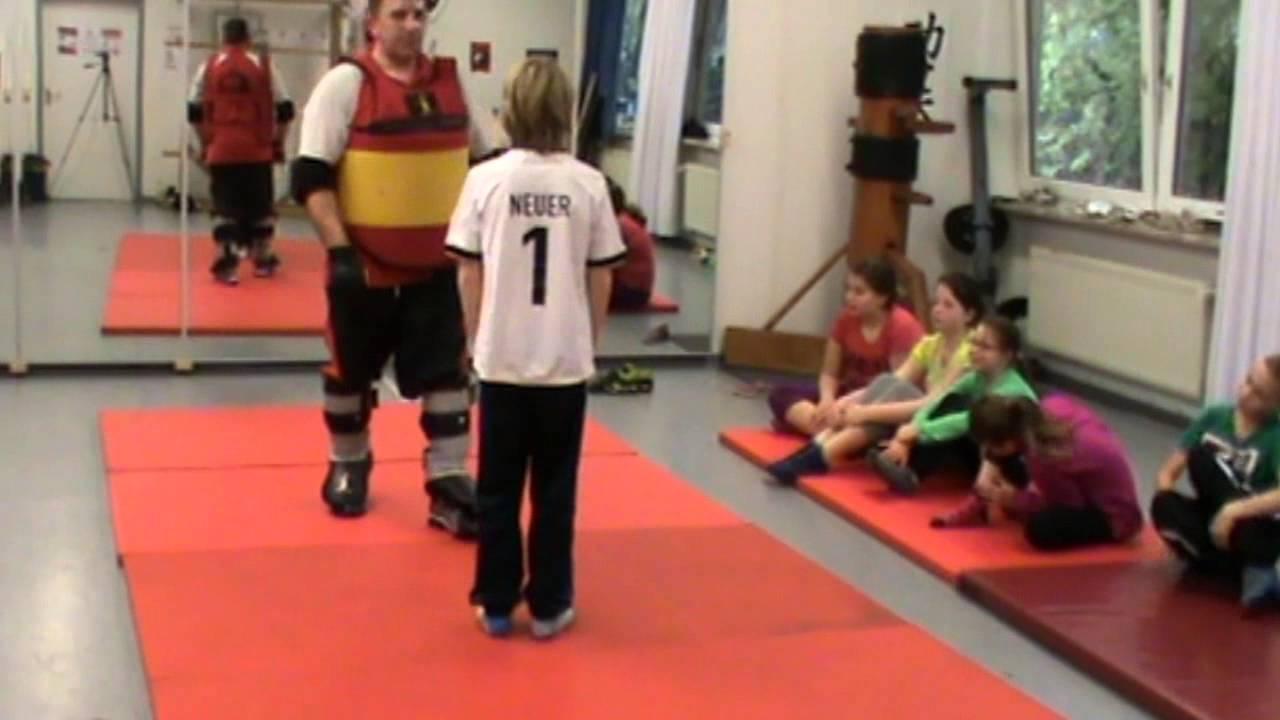 Wing Tsung / Wing Tsun Kiel Kinder 07 11 2015 - YouTube