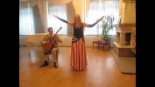 Гадалка (аккорды для гитары и текст под видео) слова песни из кинофильма «Ах, водевиль, Водевиль».