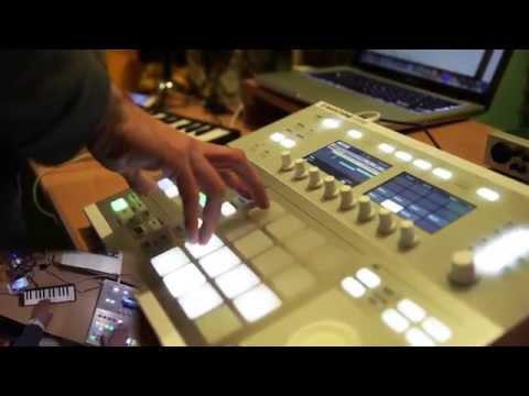 Chopping up some Classical Music (Maschine Studio Beatmaking)