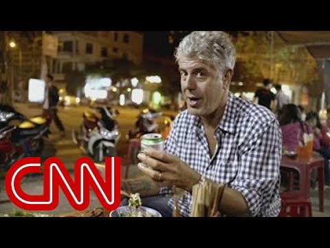 Bourdain falls in love with Vietnam's street food (Parts Unknown)