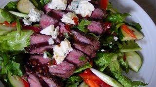 Steak Salad With Gorgonzola & Citrus Vinaigrette