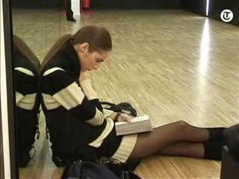 D&G Milan Fashion Weeke Backstage - Gisele Bundchen