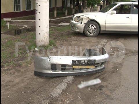 Хабаровский автолюбитель возвращался из автосервиса и разбил пять машин. Mestoprotv