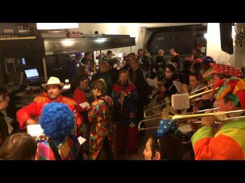 Nuit des clowns Trois-Ponts 21/02/15 - Valse les filles