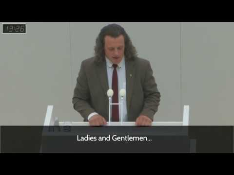 60 Different Genders? German Politician Mocks Political Correctness in Parliament (English Subs)