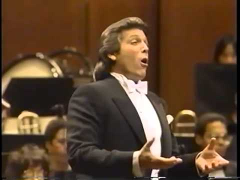 Thomas Hampson - Pierrot's Tanzlied 06 / 16 - YouTube