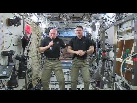 Call to Earth - A Message from the World's Astronauts to COP21