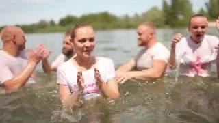253 человека приняли водное крещение в церкви