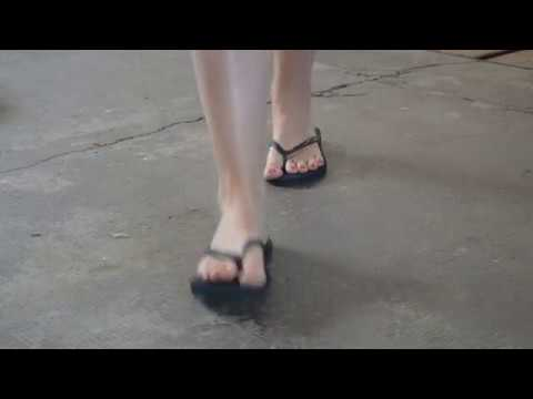 asmr-flip-flops-walk