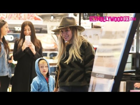 Hilary Duff Goes Shopping At Sephora With Her Son Luca In Beverly Hills 12.13.16 thumbnail