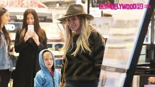 Hilary Duff Goes Shopping At Sephora With Her Son Luca In Beverly Hills 12.13.16 ヒラリーダフ 検索動画 29