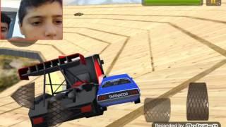 O Λάκης και ο Φραντζης παίζουν ένα παιχνιδι με αυτοκίνητα