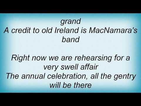 Bing Crosby - Macnamara's Band Lyrics