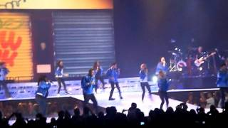Empire State Of Mind- Glee Cast [Live at the HP]