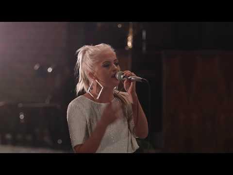 Hallelujah (Live Cover) | Chloe Paige