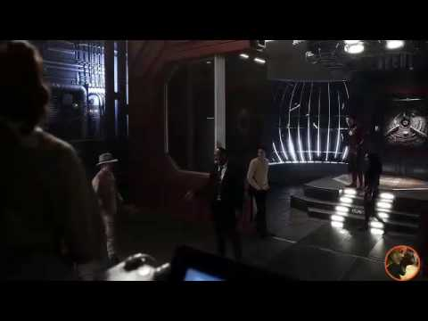 The Flash 3x13 - Part 2 - Team Flash Arrive in Gorilla City