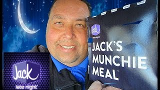 Jack In The Box® Sriracha Curly Fry Munchie Meal Burger REVIEW!