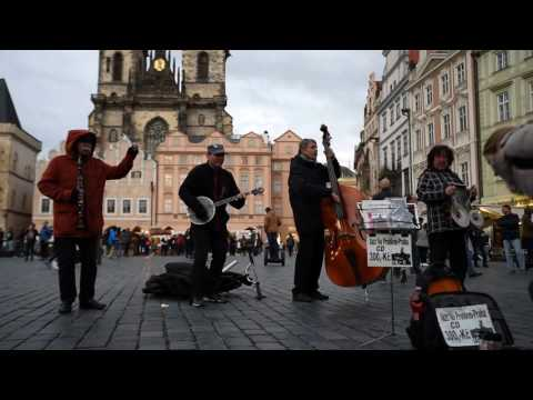Hello Dolly by Street Jazz Band in Prague