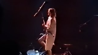Repeat youtube video Nirvana - 9/1/91 - Rotterdam -[2-Cam/50fps/HQ-Audio] - (3weeks before the release of Nevermind)