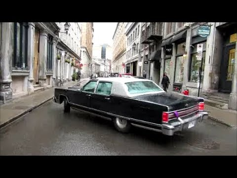 '77 LINCOLN CONTINENTAL TOWN CAR IN ACTION !