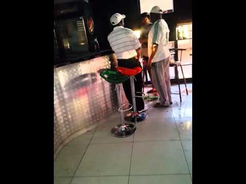Lusaka  Police Woman  Slaps LOVER In Public