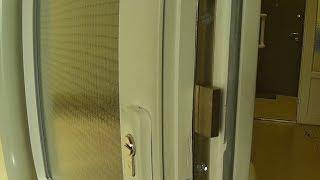 видео Установка замков на металлические двери: монтаж фурнитуры