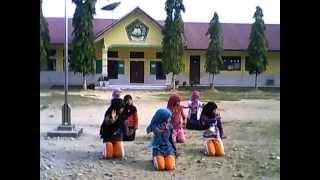 Tarian Aceh Ranup - Rafli ( MTs Taman Fajar Peureulak ).3gp