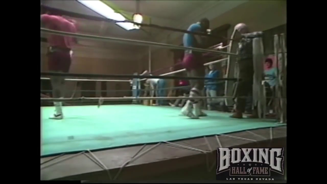 Mike Tyson Spars at 17 - No Headgear! Watch-out!