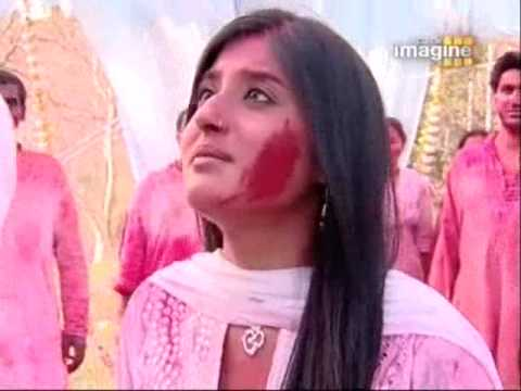 Arjun Arohi - Arjun Mad At Arohi 4 Applying Colors on Him