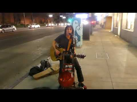 Street Artist - On Broadway St -- Glendale - 12/09/17 - Hallelujah