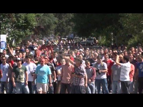 A1 Report - Qetësohet Mitrovica pas protestës së djeshme, dhjetëra të arrestuar