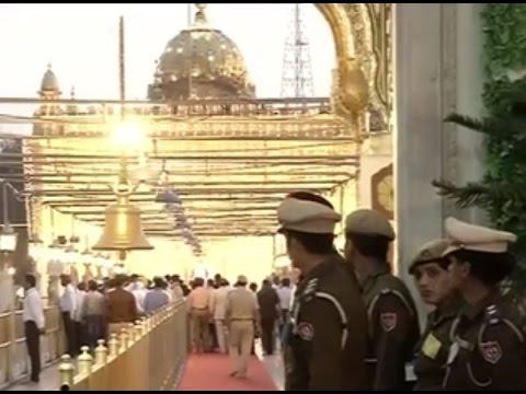 PM Modi visits Durgiana Mandir in Punjab