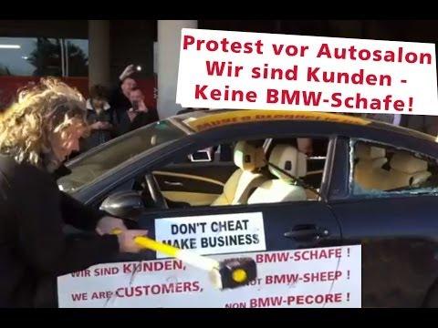 Protest vor Autosalon Genf 2014 - BMW M6 wird demoliert Vol 6