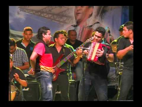 Churo Diaz & Lucas Dangond - El Cacho + Me vale (final) (Urumita - La Guajira)
