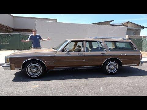 Oldsmobile Custom Cruiser - это старомодный семейный универсал