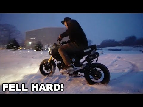 DRIFTING A STREETBIKE IN THE SNOW!